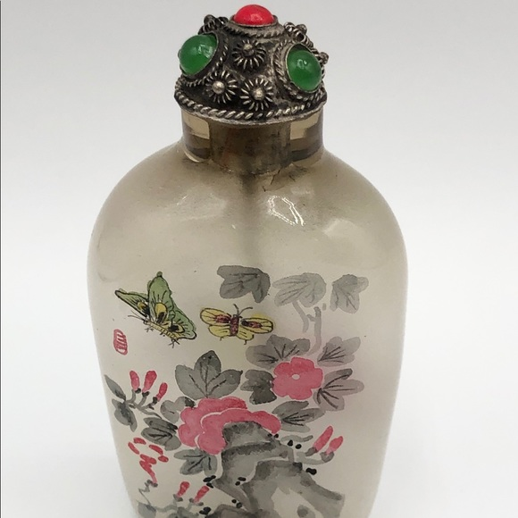 Vintage Frosted Glass Stone Butterfly Snuff Bottle